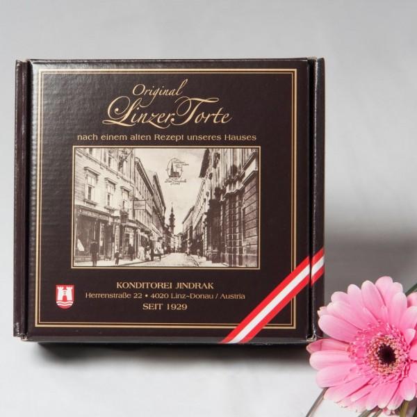 Linzer Torte im Geschenkskarton